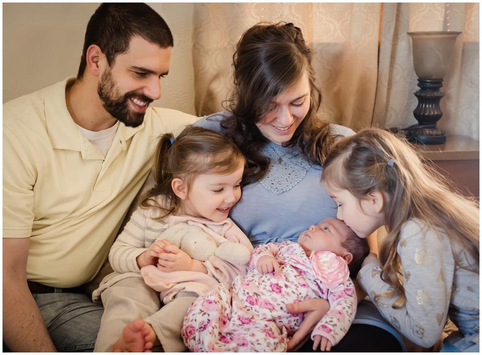 happy-family-newborn-lifestyle-session-skagit-county.jpg