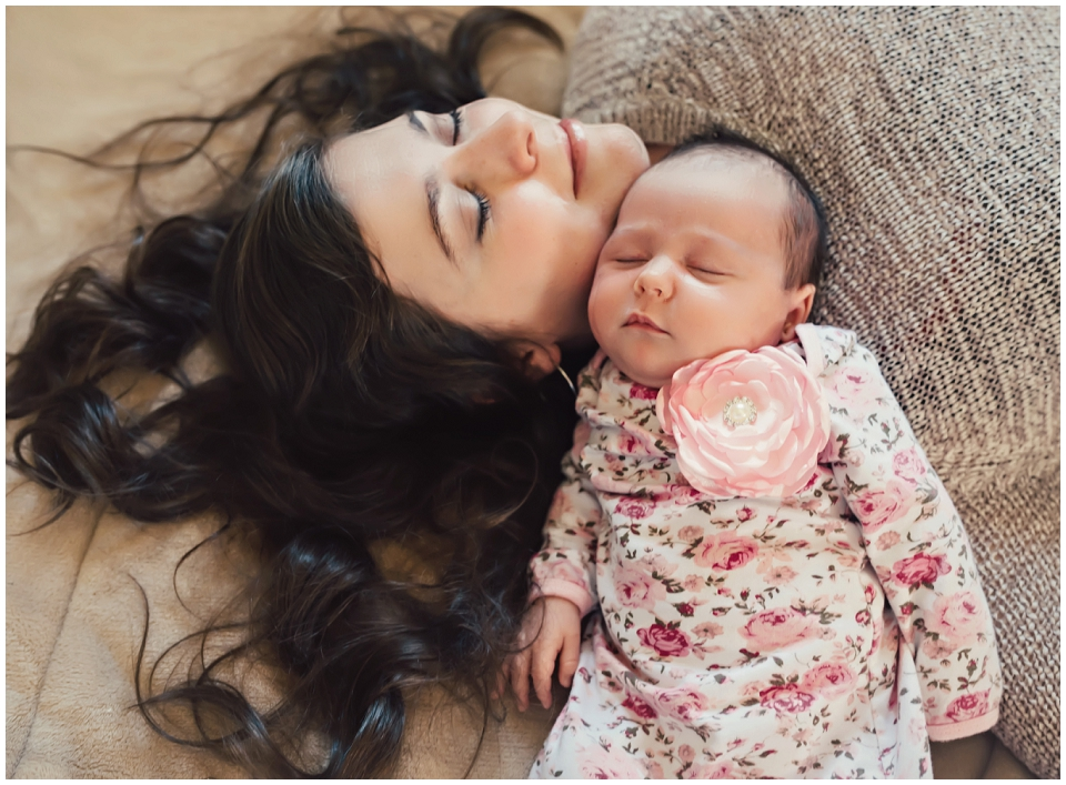 mother-newborn-on-bed-photography-session-skagit-valley-newborn-photography.jpg