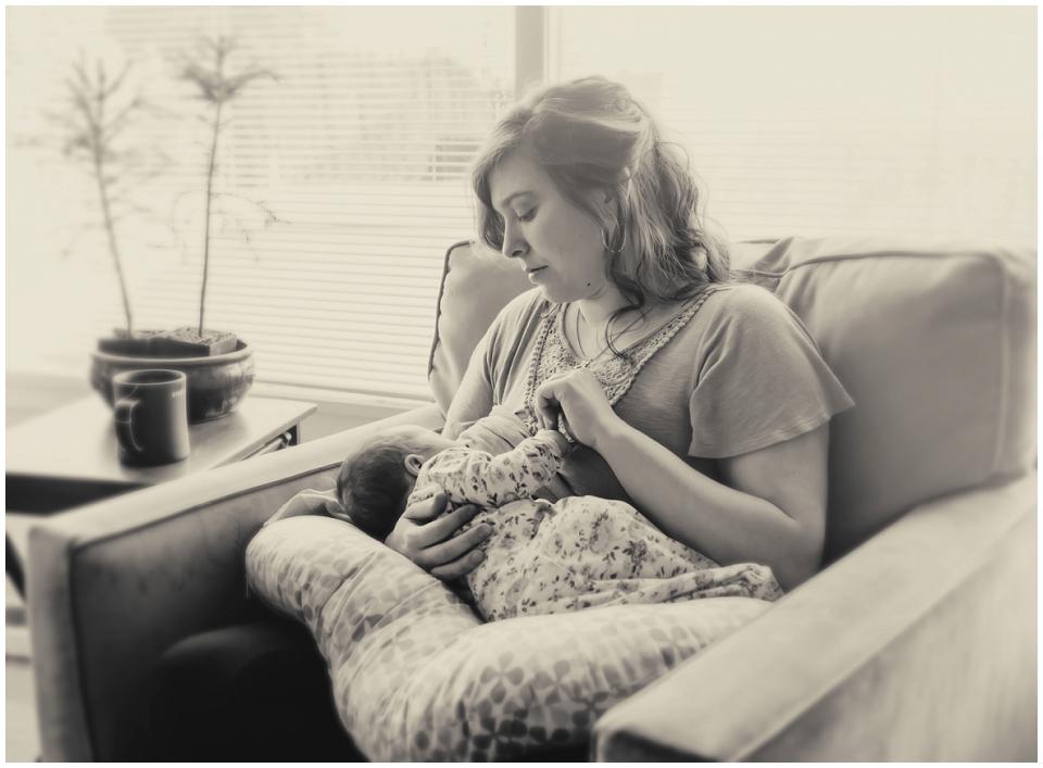 Newborn-breastfeeding-photography-skagit-valley.jpg