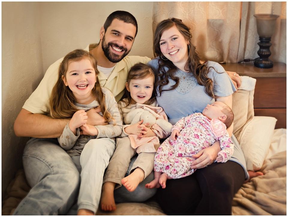 family-lifestyle-session-newborn-skagit-valley-photographer.jpg
