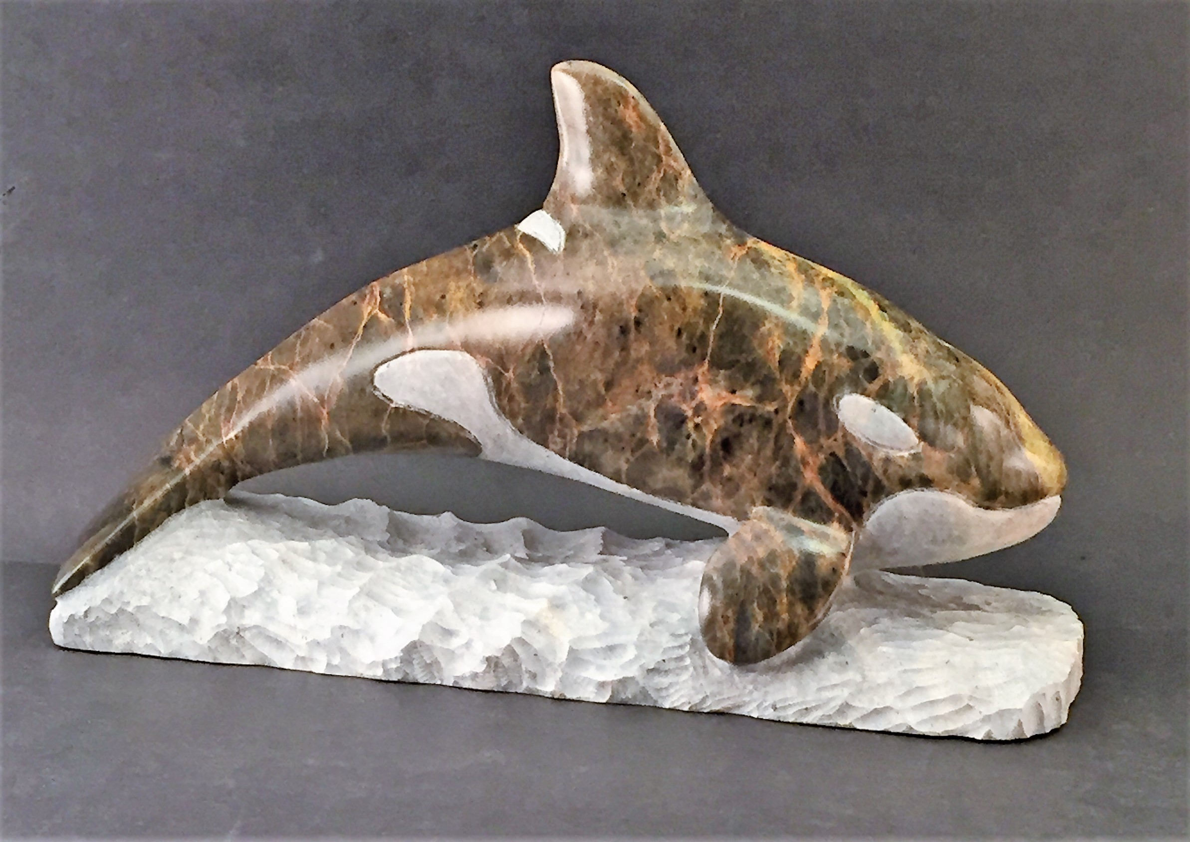WHALE ORCA WITH BASE