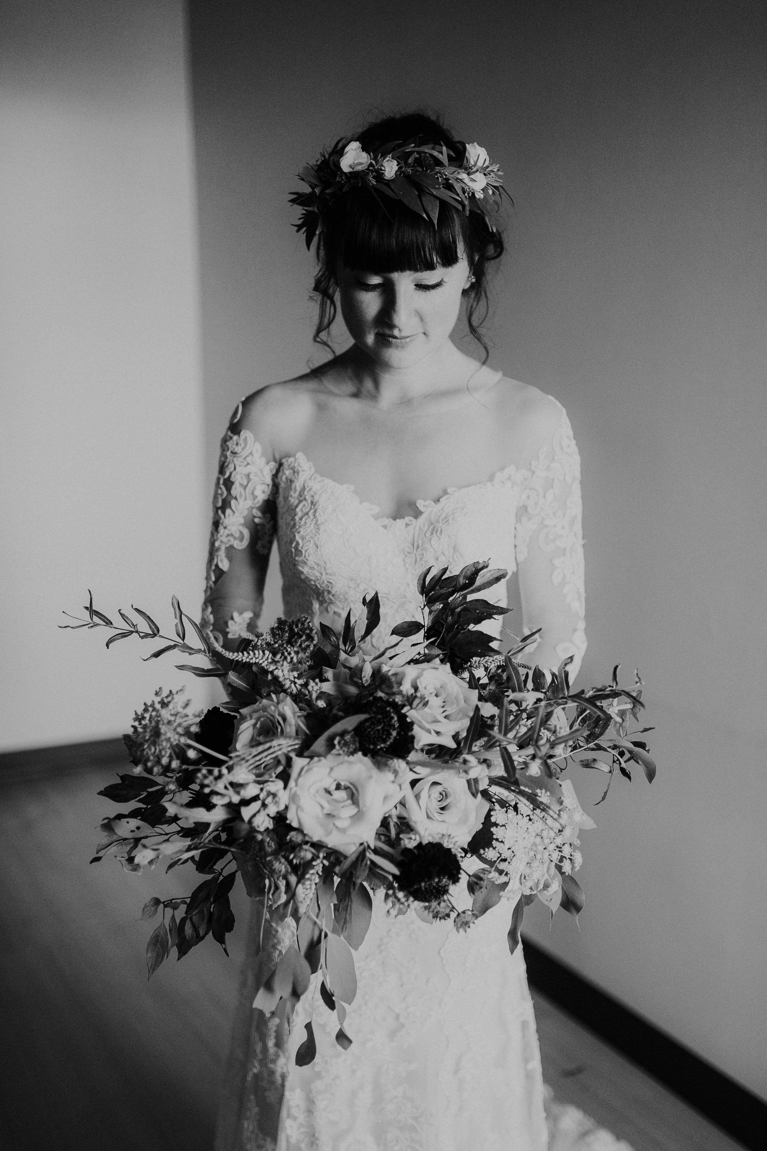 sam-brittany-fortwayne-wedding-brynnaisabell-gettingready (98 of 115).jpg