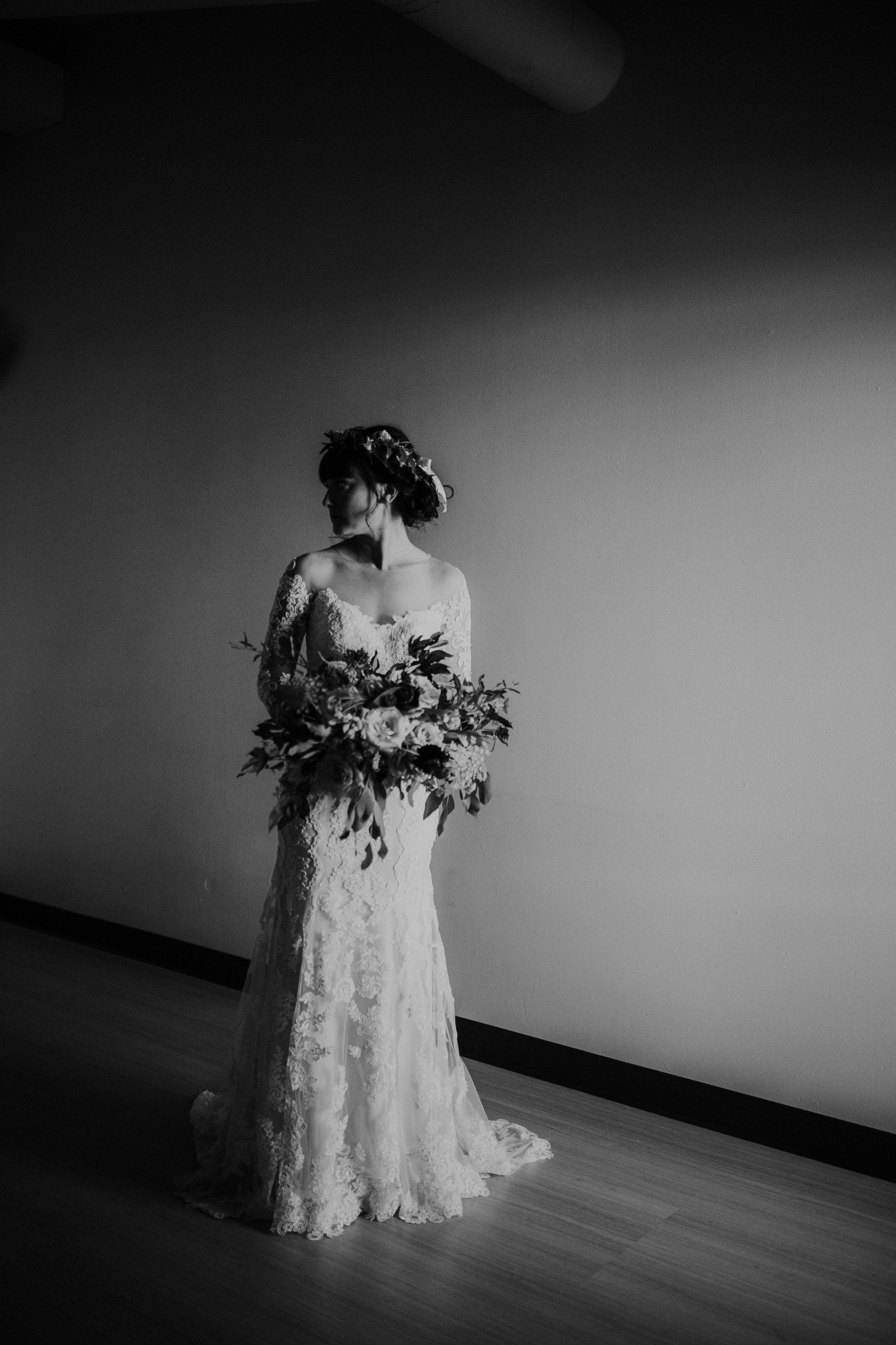 sam-brittany-fortwayne-wedding-brynnaisabell-gettingready (103 of 115).jpg