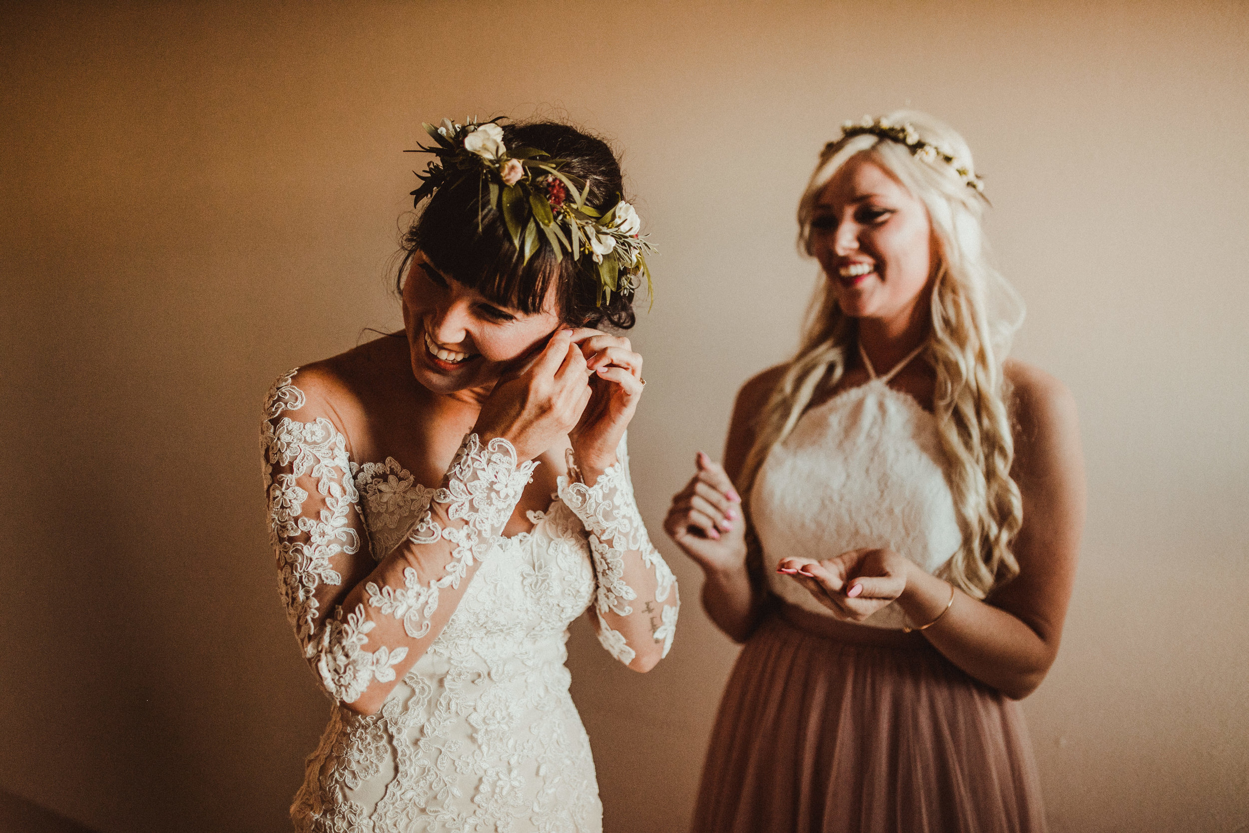 sam-brittany-fortwayne-wedding-brynnaisabell-gettingready (109 of 115).jpg