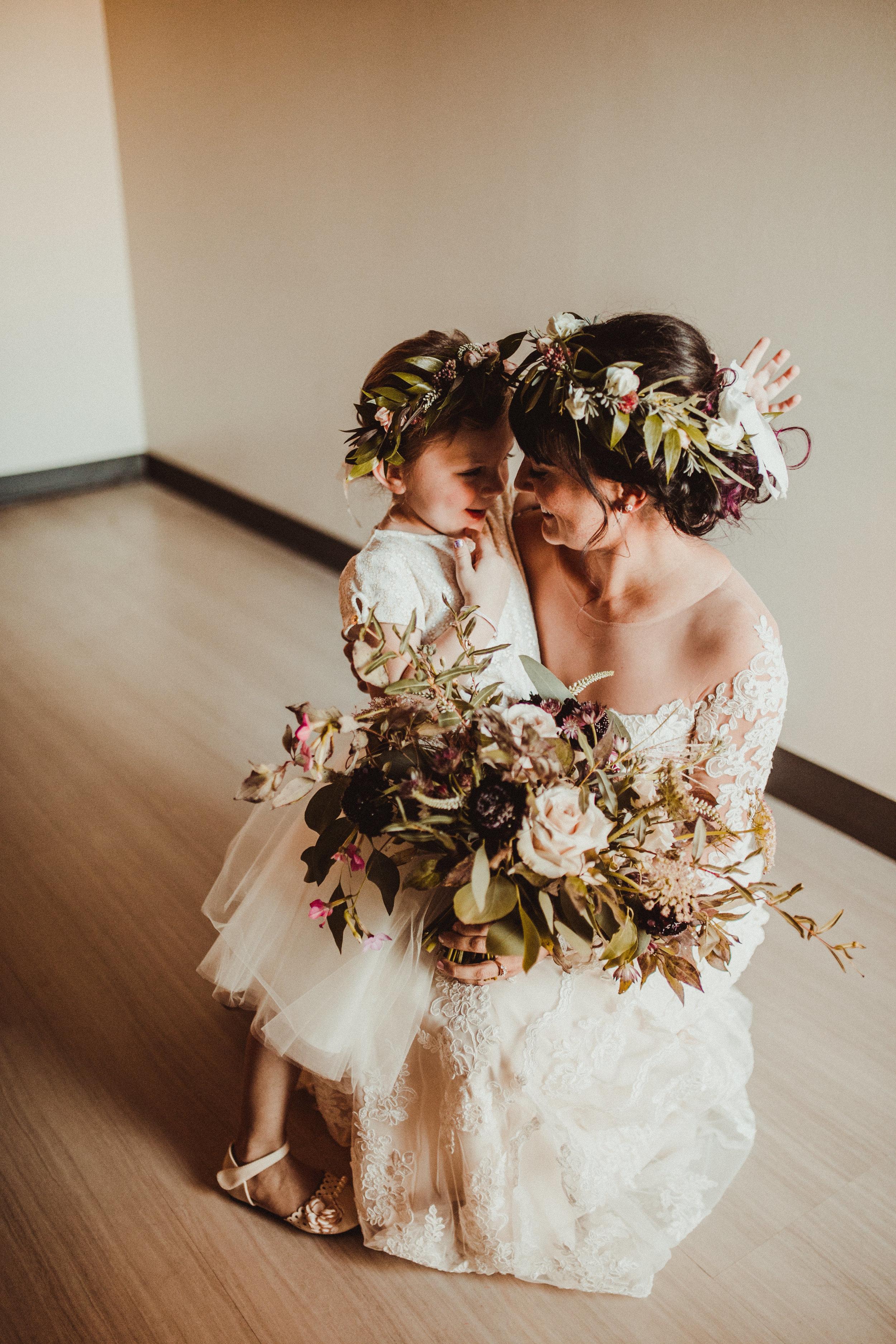 sam-brittany-fortwayne-wedding-brynnaisabell-gettingready (113 of 115).jpg