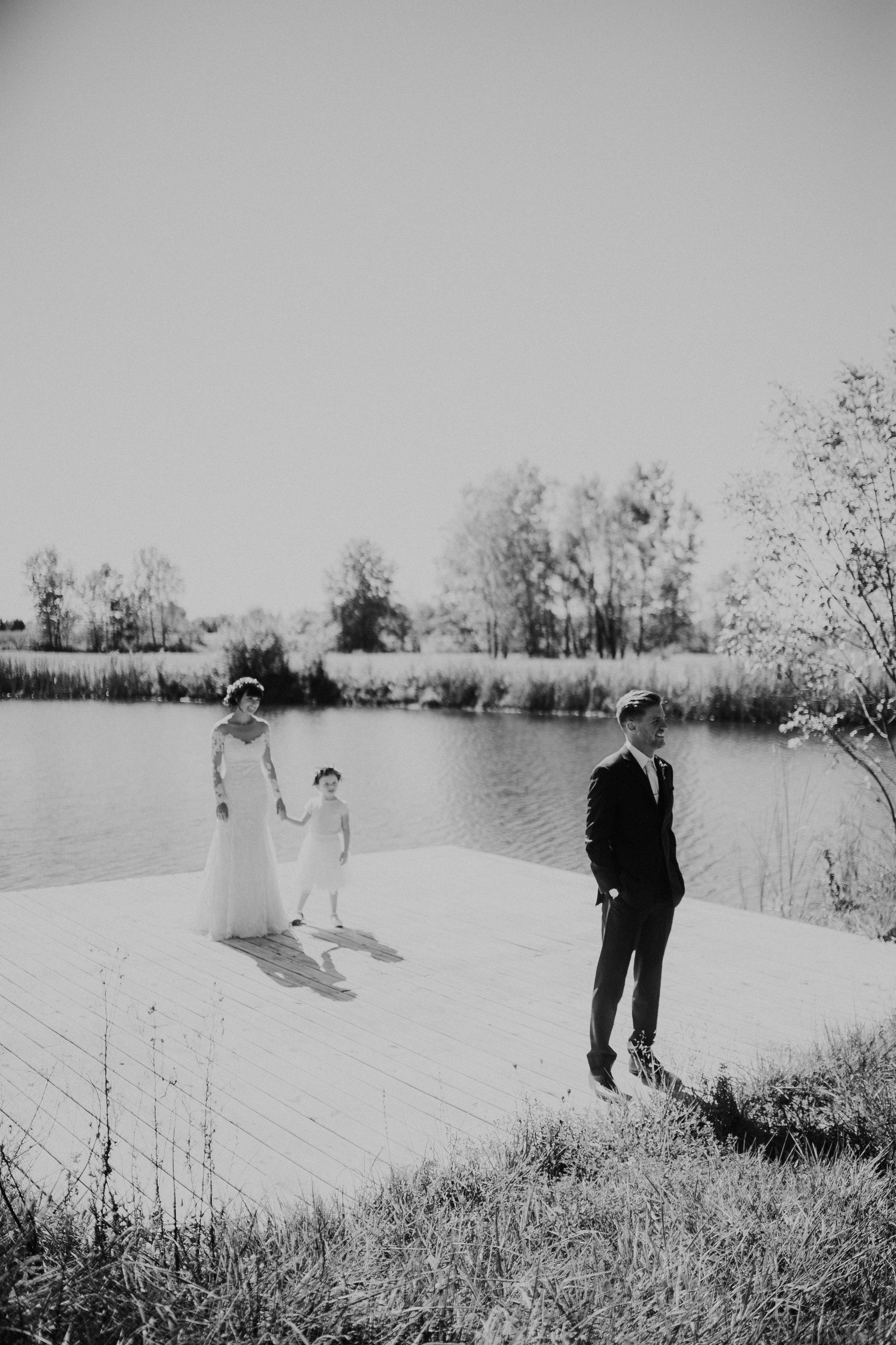 sam-brittany-fortwayne-wedding-brynnaisabell-firstlook (122 of 43).jpg