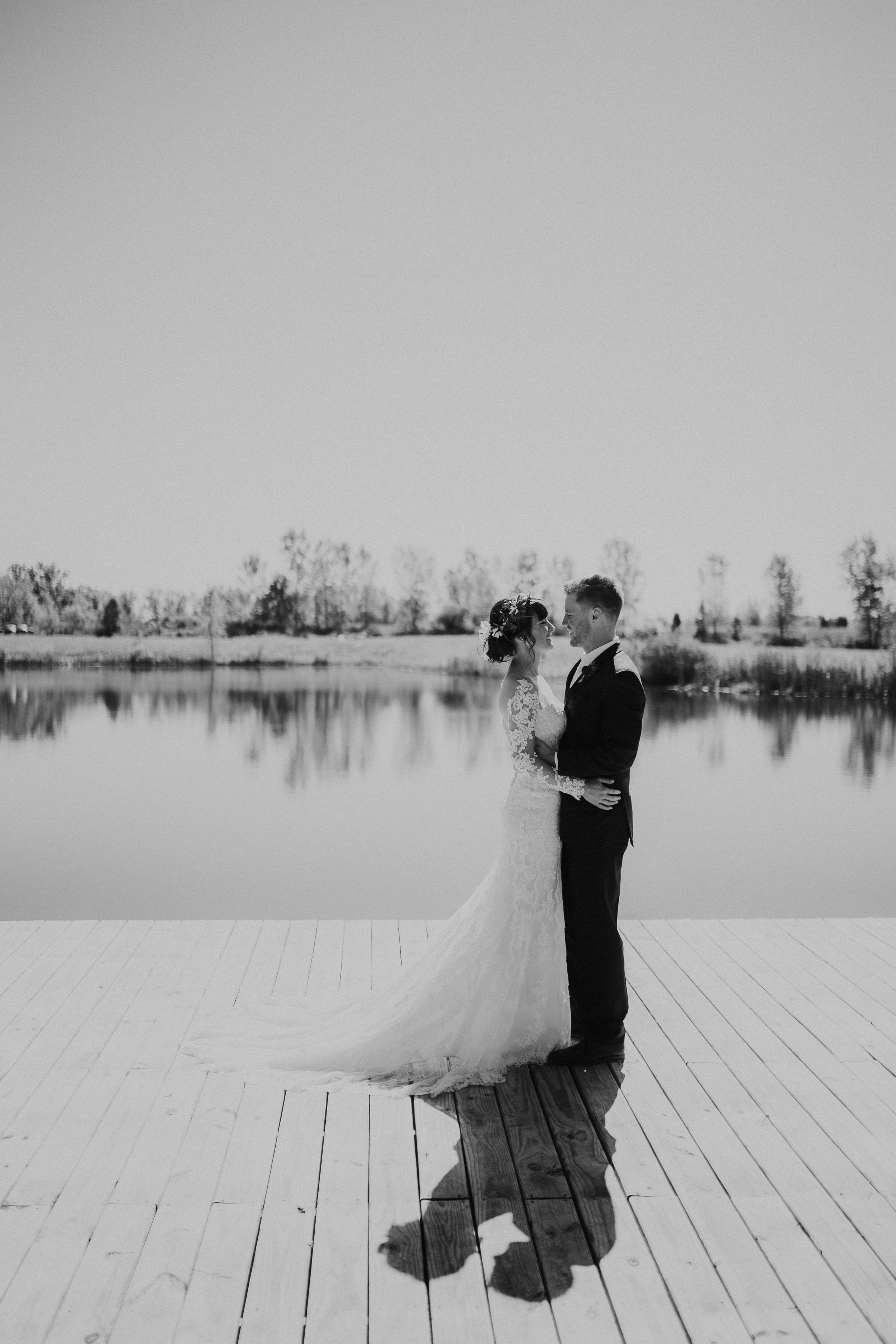 sam-brittany-fortwayne-wedding-brynnaisabell-firstlook (145 of 43).jpg