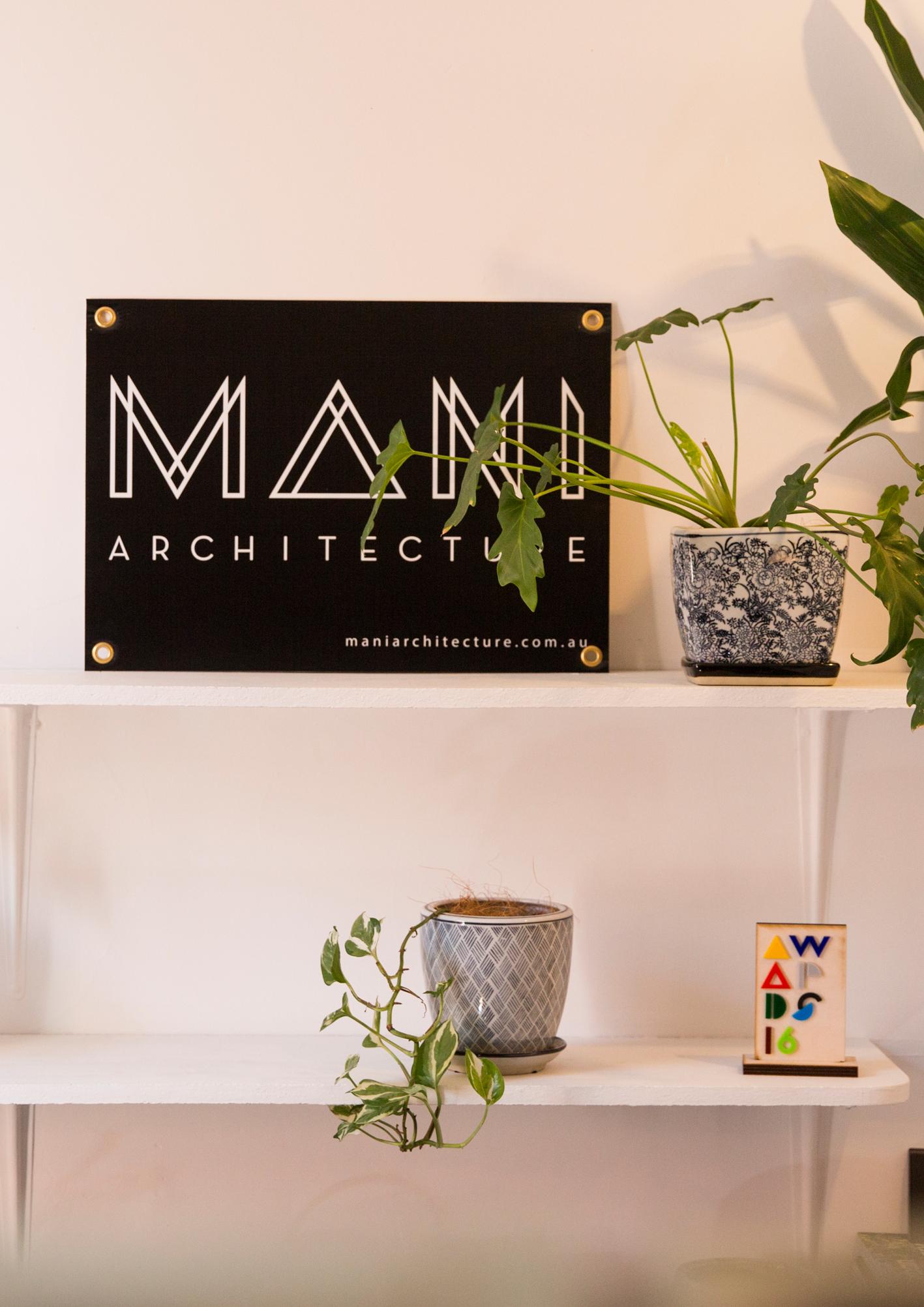 Mani-Studio.jpg