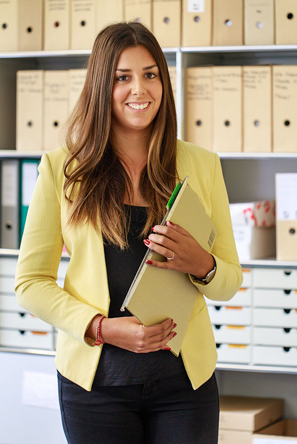Adriana Schwab- La Brocca  Assistentin Filiale Biel  E-Mail  T 032 321 36 66