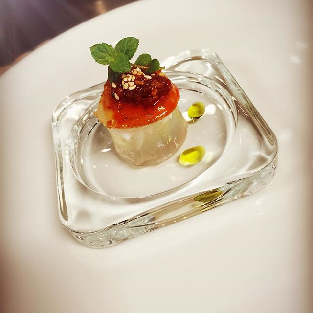 What an interesting match! Scallop with a touch of Hunan Chilli, coconut jelly to finish the dish.