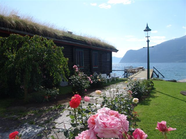 hageleikangerfjordhotel-1.jpg