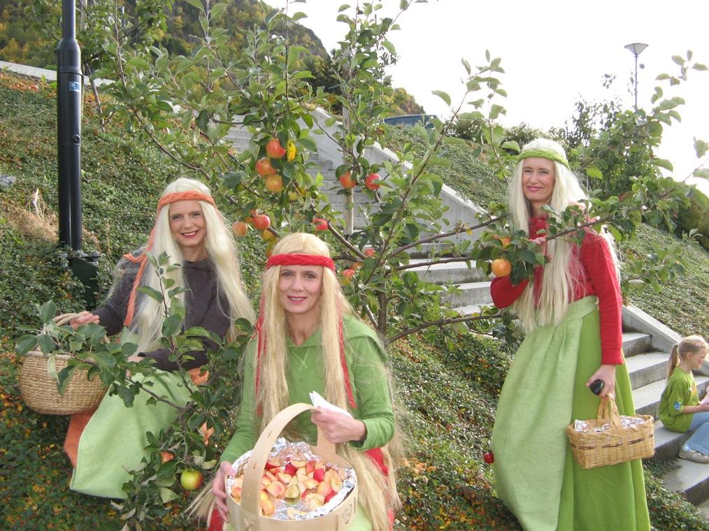 okt-08-fruktbare-dagar-2008_009_fruktprinsesser_mindreformat_fotoroarwvangsnes.jpg