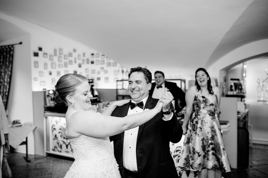 Jeff&Caite_DestinationWedding_Mondsee_16_HG-Blog-178.jpg