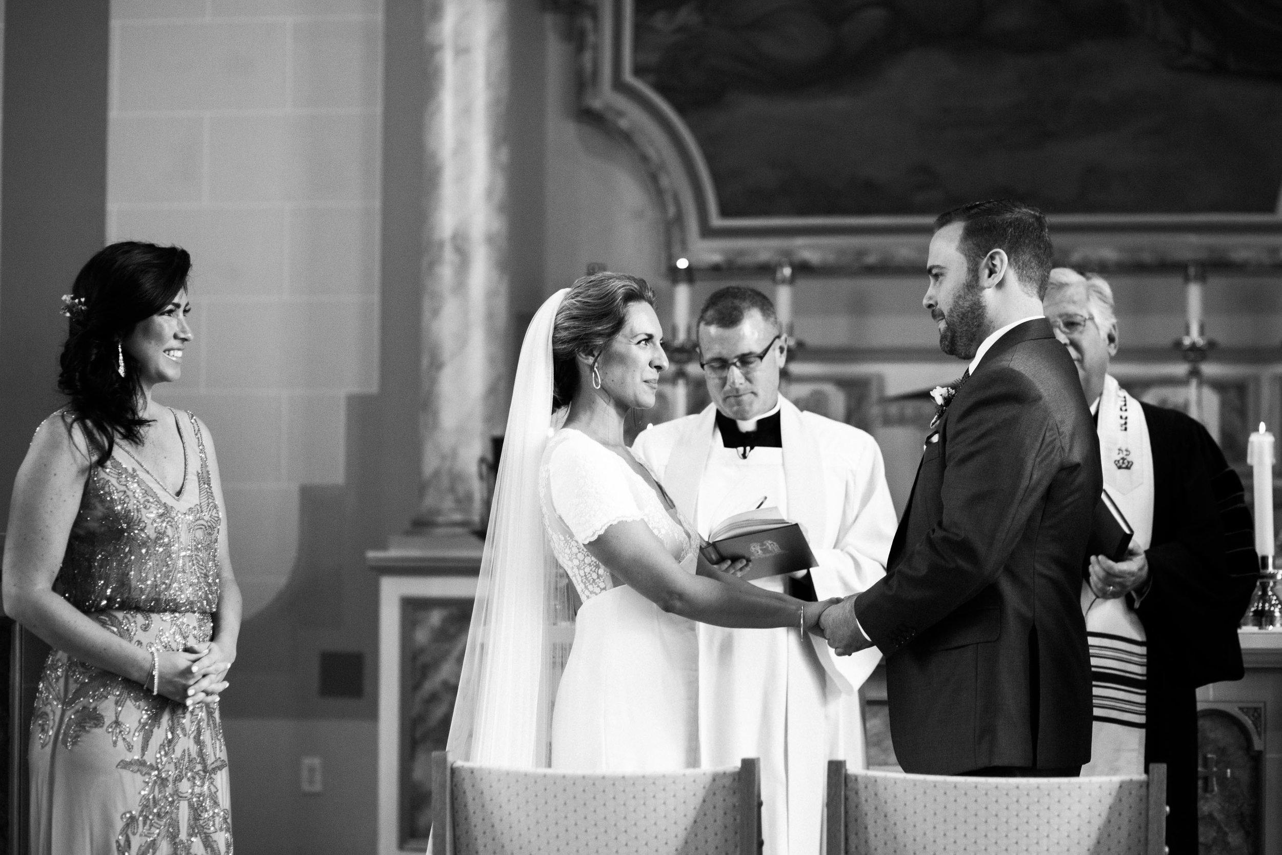 HiloandGinger-Brian+Dina_Weddingday_SneakPeek-26.jpg