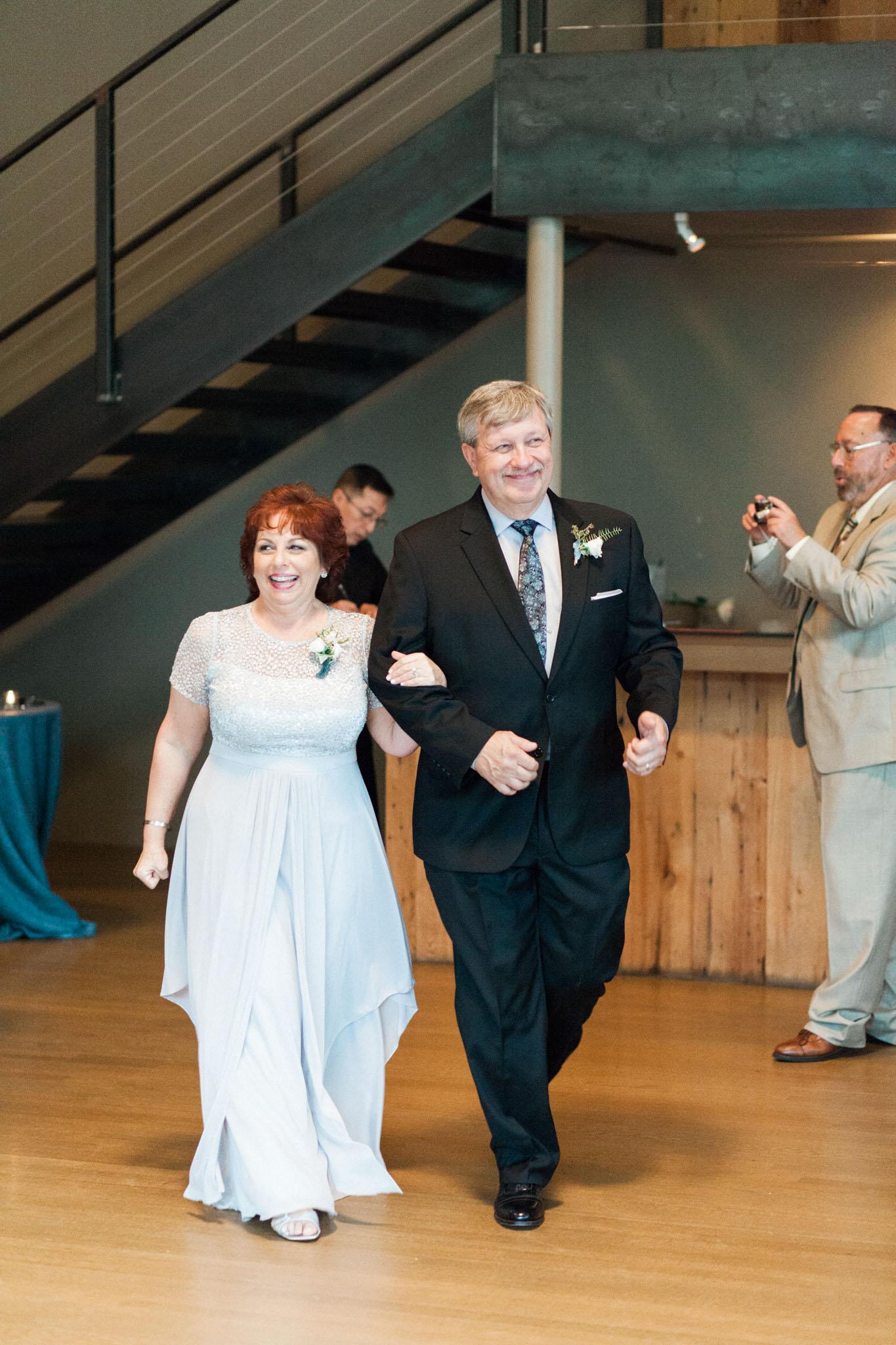 HiloandGinger-Brian+Dina_Weddingday_SneakPeek-46.jpg