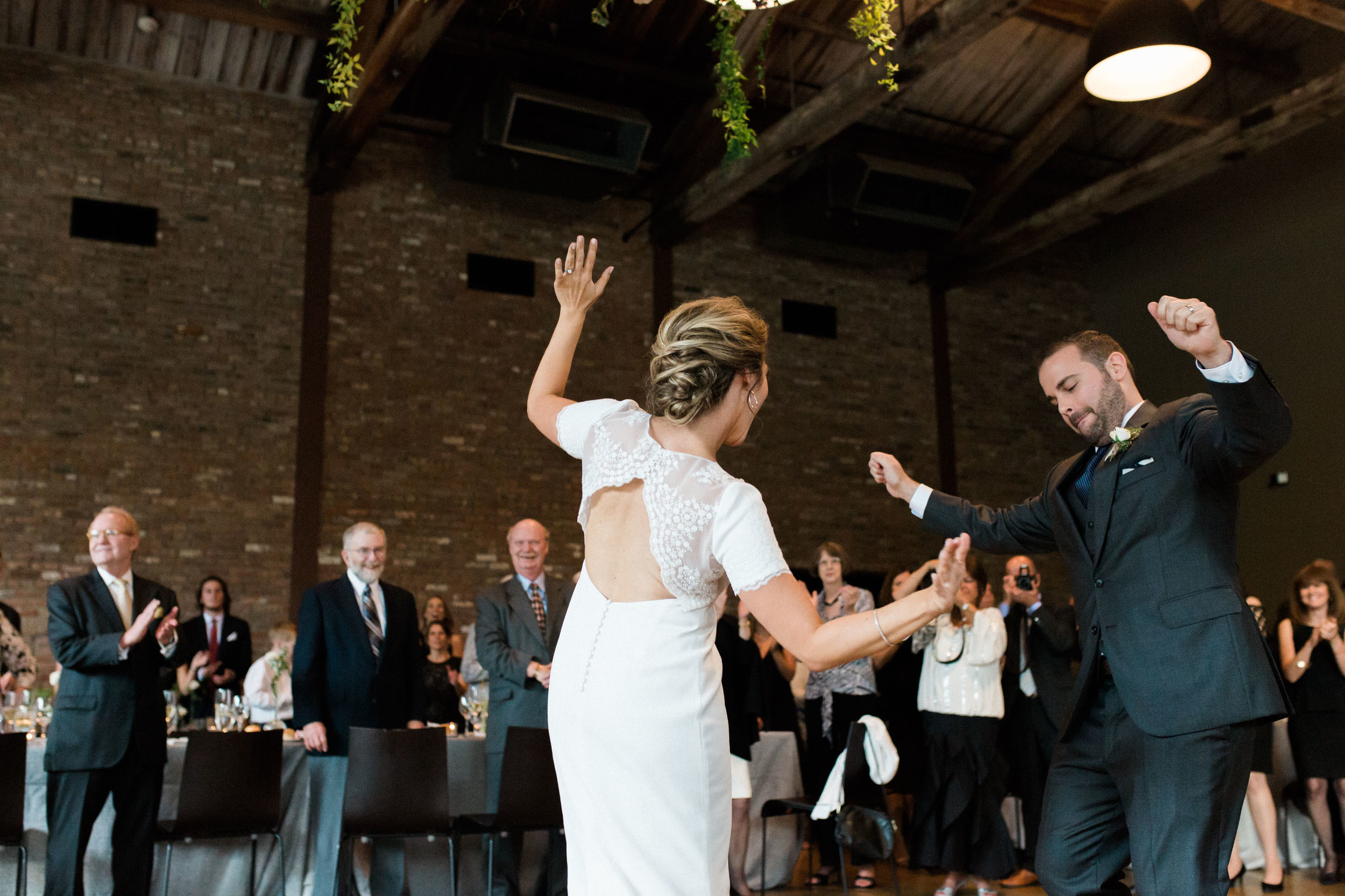 HiloandGinger-Brian+Dina_Weddingday_SneakPeek-50.jpg