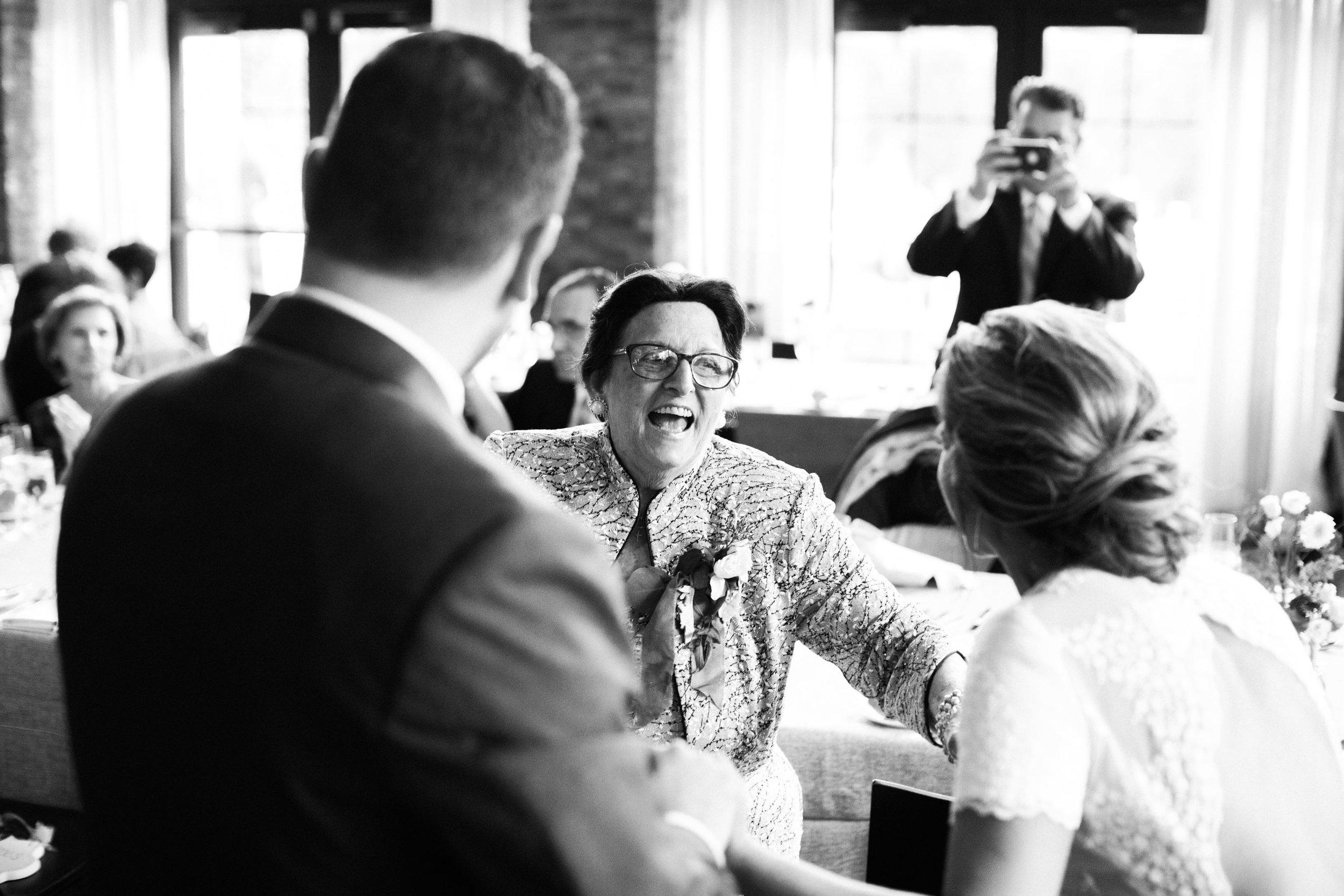 HiloandGinger-Brian+Dina_Weddingday_SneakPeek-52.jpg