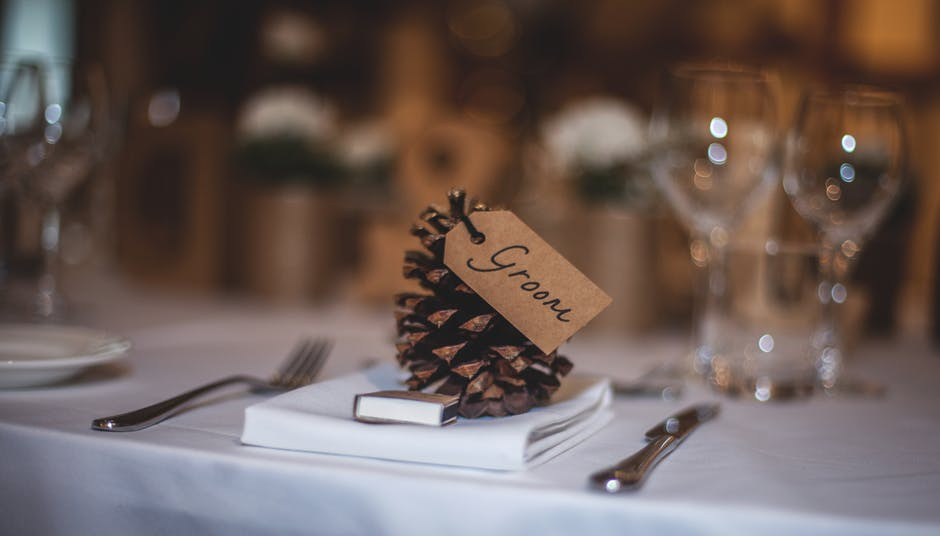 Pine cone name cards add a rustic feel to place settings, and naturally bring the outdoors in.