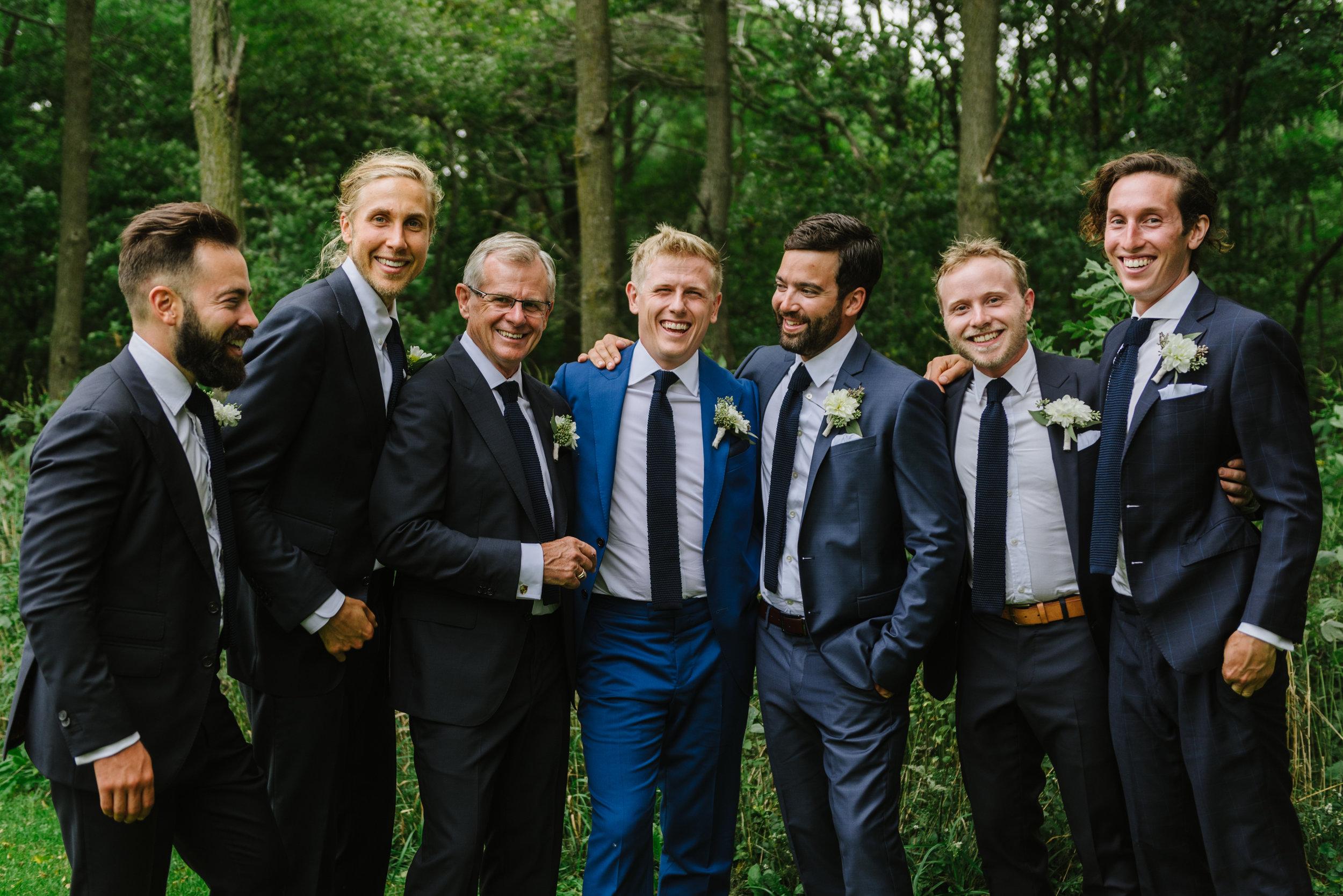 groomsmen-navy-suit