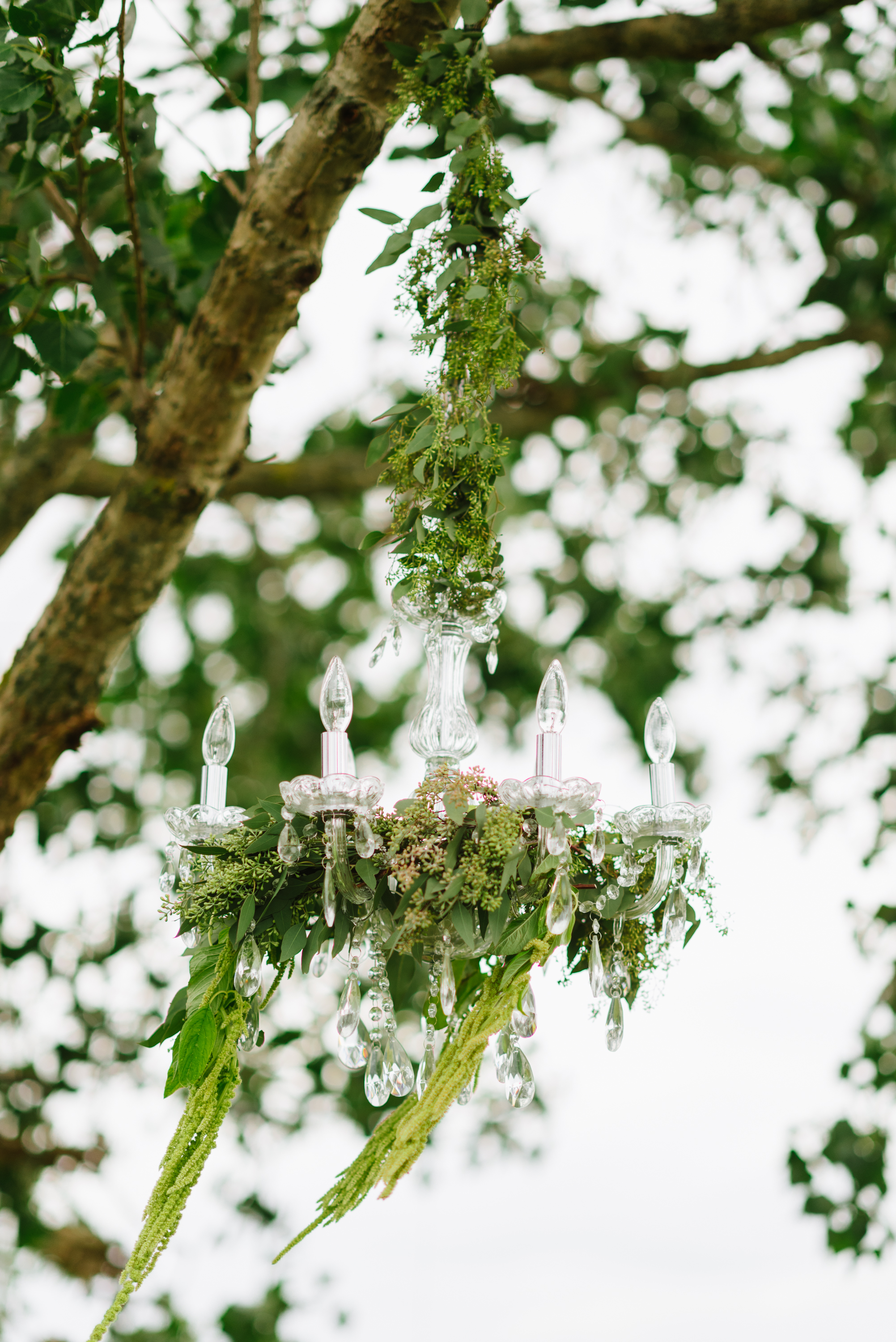 greenery-floral-chandelier-ceremony