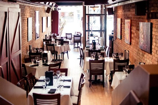 Garlic's of London, in the heart of Richmond Row, is a city favourite with a frequently updated menu of seasonal Canadian fare and Italian selections.