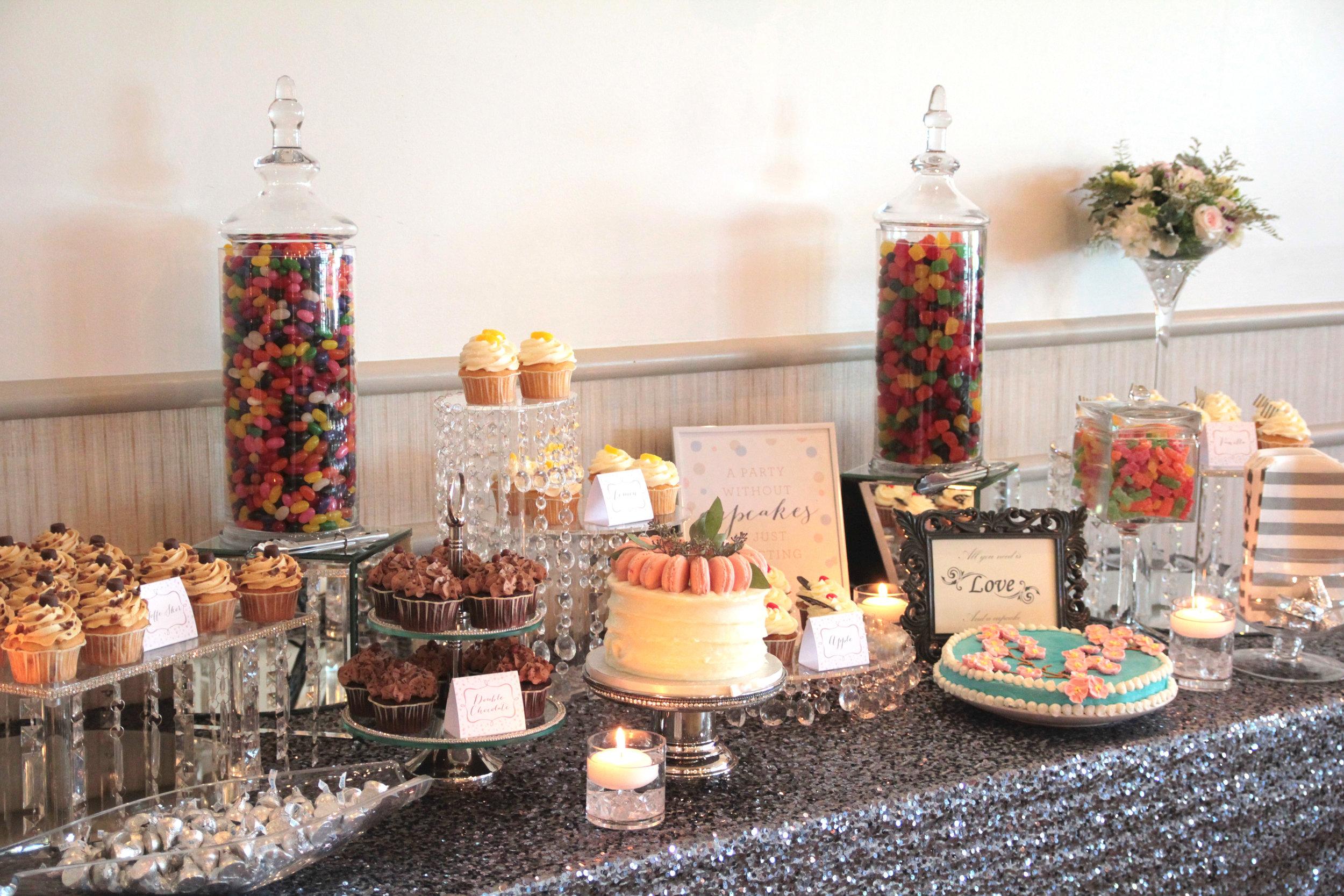 wedding-reception-decor-sweets-table