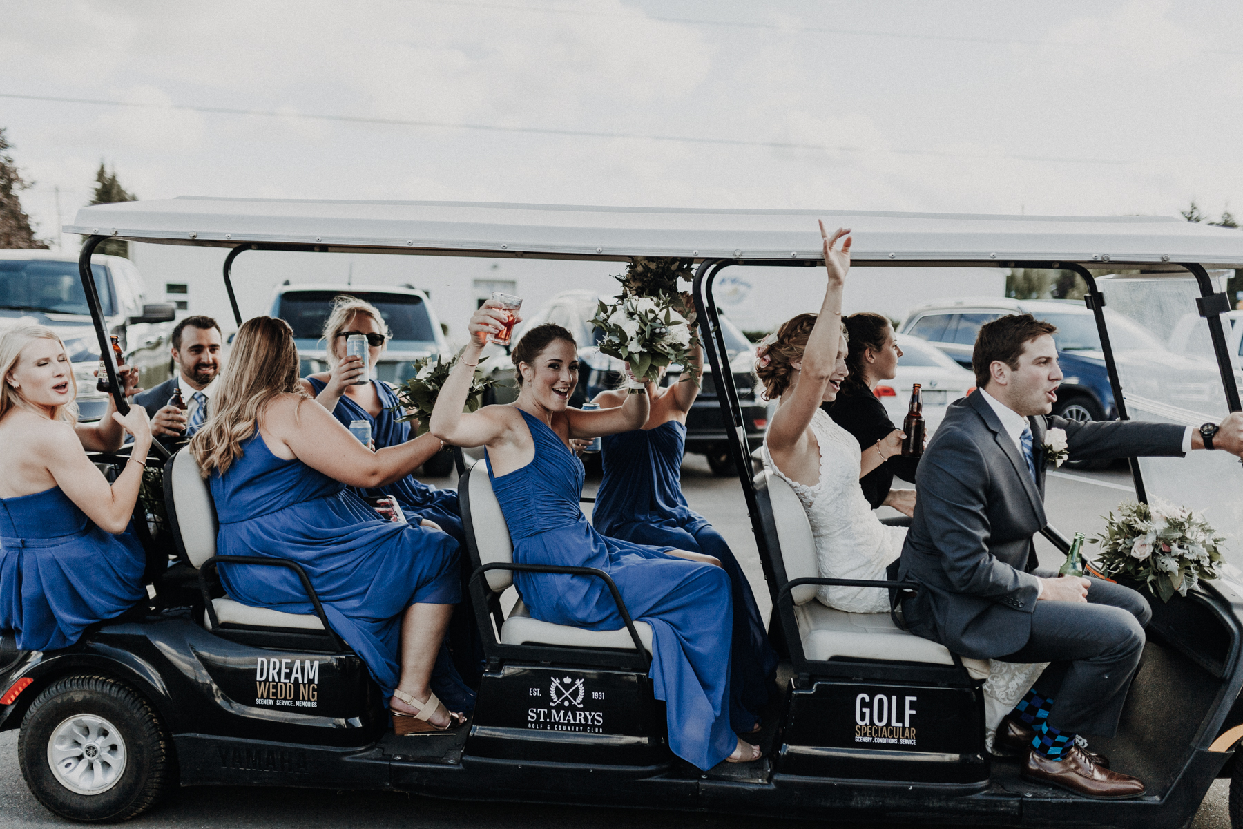 golfcourse_wedding_limo_weddingparty.jpg