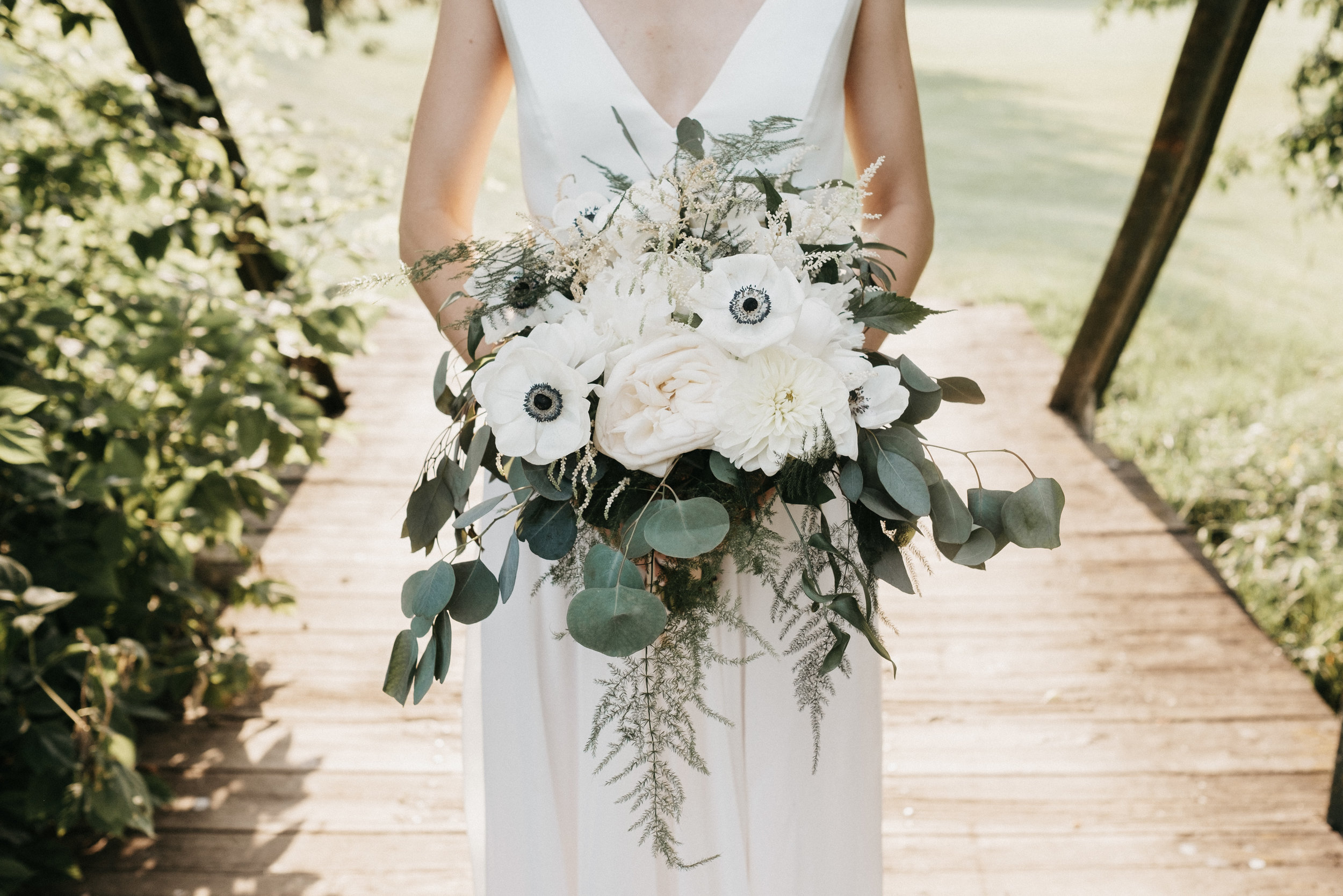 bridal_bouquet_white_flowers_greenery_anemone.jpg