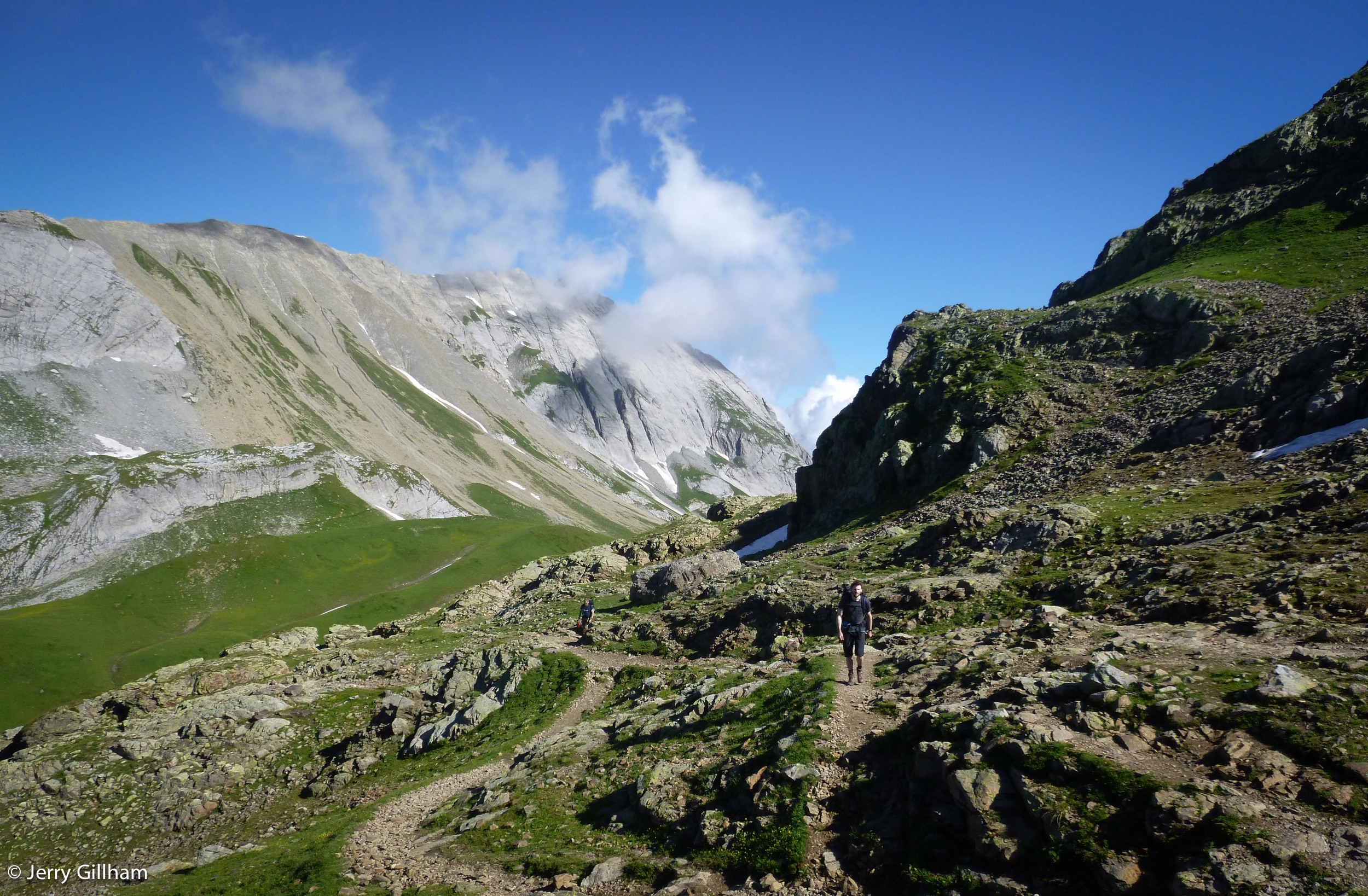 Heading higher, toward the Col de la Croix.