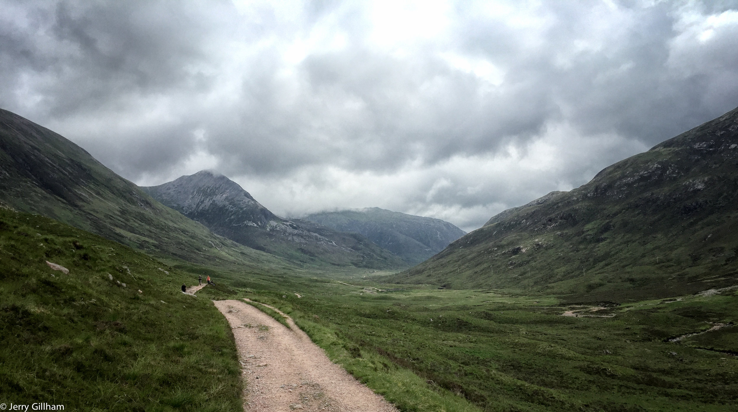 The West Highland Way is a well made track but not the easiest to cycle along which is perhaps why I met zero other cyclists. Plenty of walkers though enjoying the last stretch of their trip into Fort William.