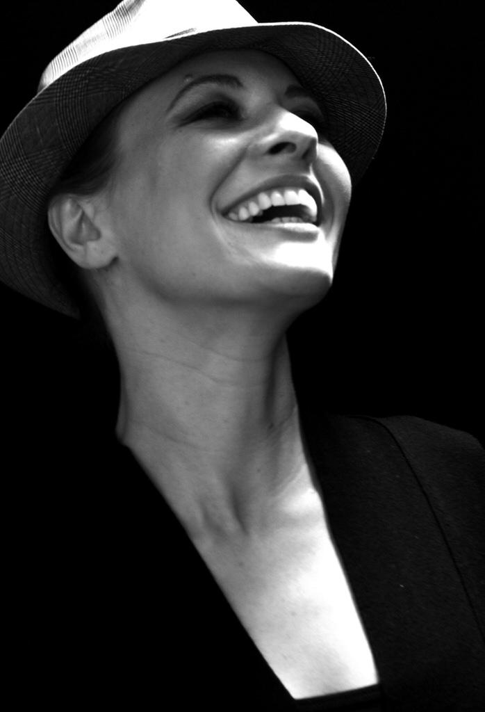 Julia Thurnau PICT0191_1©jonny soares.jpg