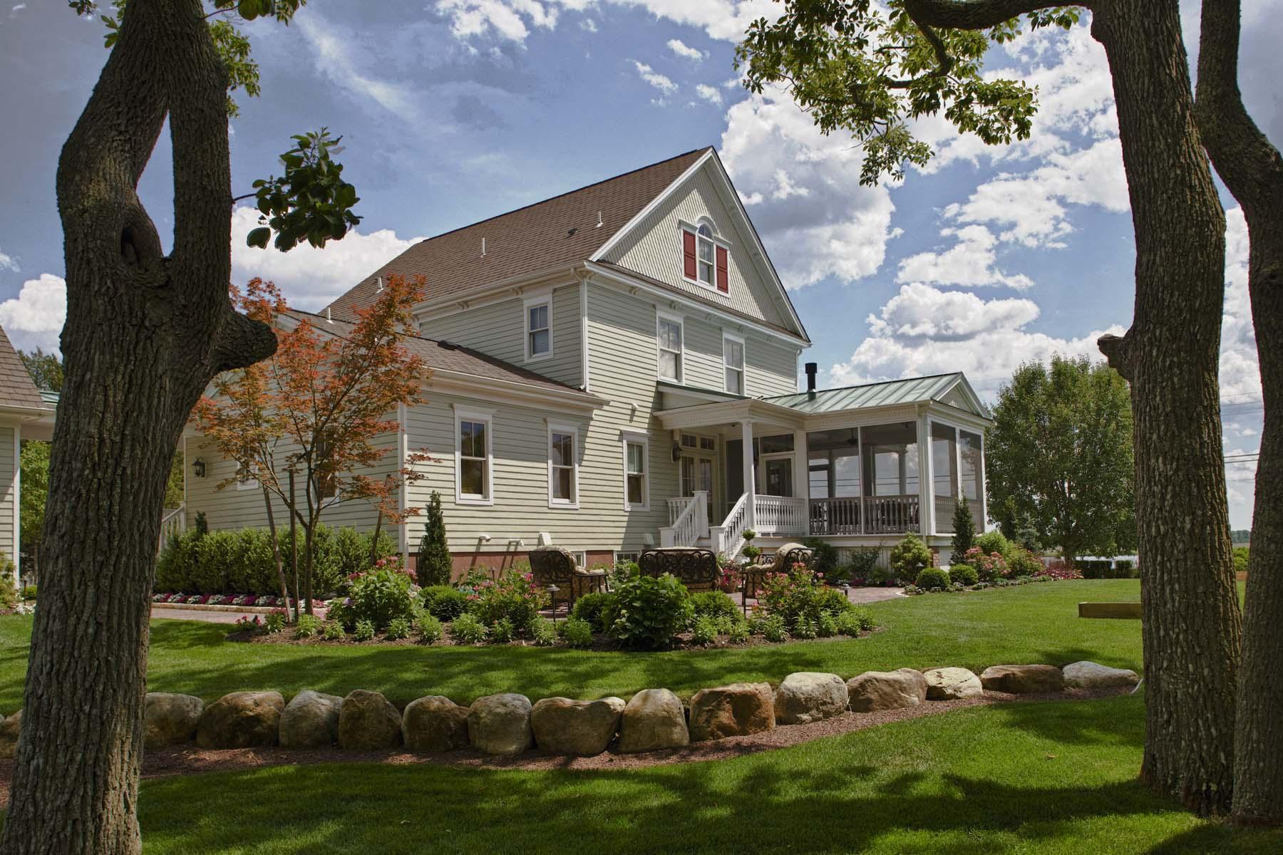 3 exterior - © Wendy Holden & Associates, LLC.jpg