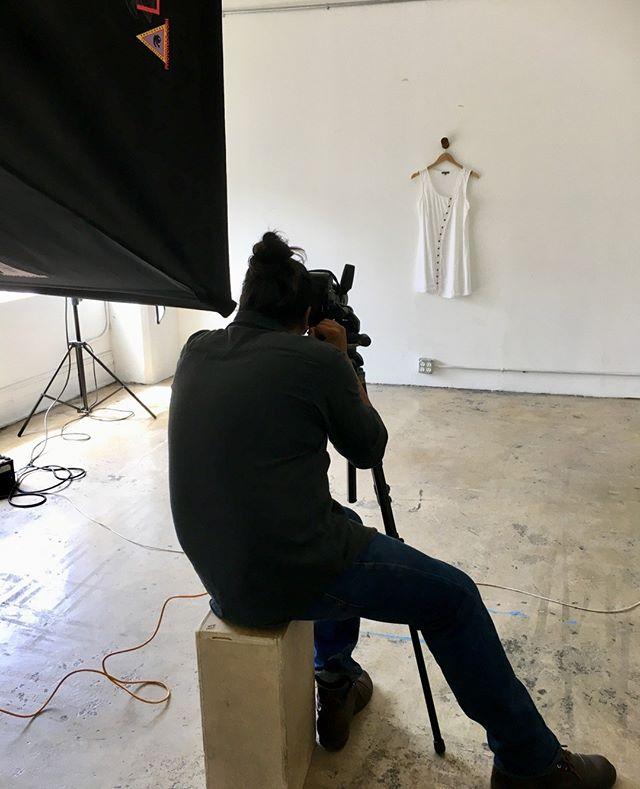 Capturing the simple elegance one snapshot at a time.       #behindthescenesphotoshoot #behindthescenes🎬 #behindthescenesvideo #behindthescenesphotography #behindthescenesphoto #behindthescenestour #nyphotography #photographyny #photographynyc #photographynewyork #newyorkphotography #newyorkcityphotography #newyorkphotographers #newyorkcityphotographer #newyorkcityphotographers #styleexpony #laphotography #photographyla #photographylosangeles #laphotographers #photographerla #photographerlosangeles #losangelesphotographers #styleexpola #stillphotography #stillphotos #stillphoto #stillphotographer #stilllife_perfection #stilllifephotographer