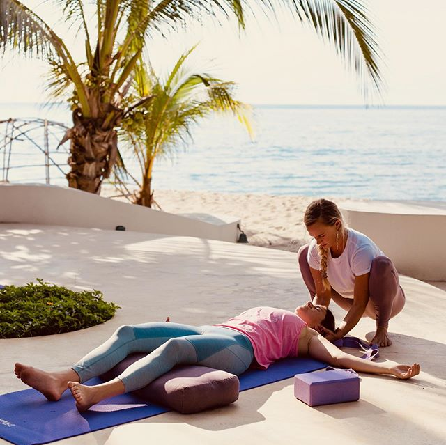 Keep your summer rolling-- join yoga instructor @audraroses for a special soulful yoga getaway October 12-17 (holiday weekend!) filled with oodles of yoga and sea living.  Heads up:  Payment plan options end by the 12th of September.  We have some really special people on board and I can't wait to see who else is joining us. To lock in your spot and learn more click on the bio link