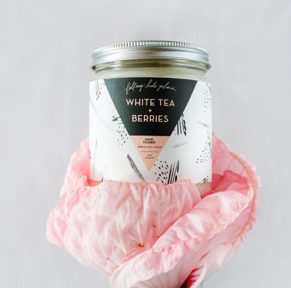 White Tea + Berries Scented Candle