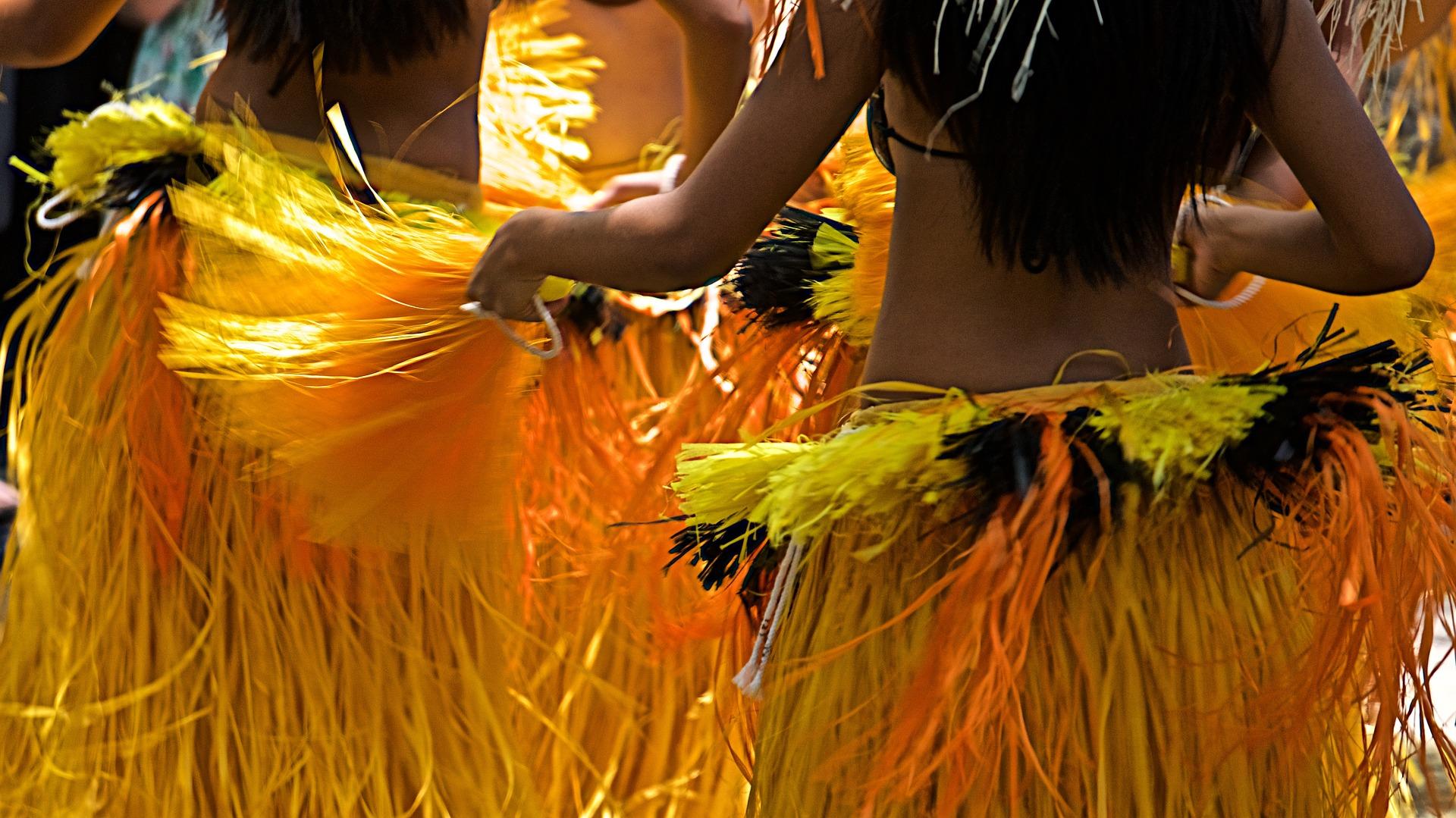 hula-2407825_1920.jpg