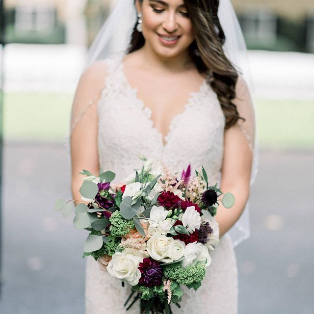 Diana was so beautiful❤️ #bridalbouquet #weddingflowers #weddinginspo #fallweddings @diana_carolina28 @amberdawnphotography @artisticimagery @hvcc1897