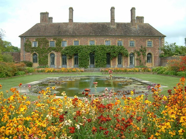 barrington court.jpg