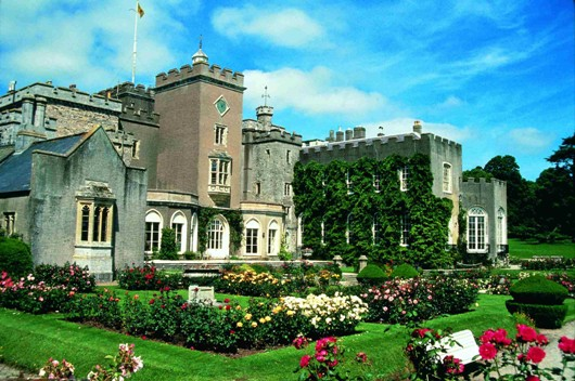 Powderham_Castle_2.jpg
