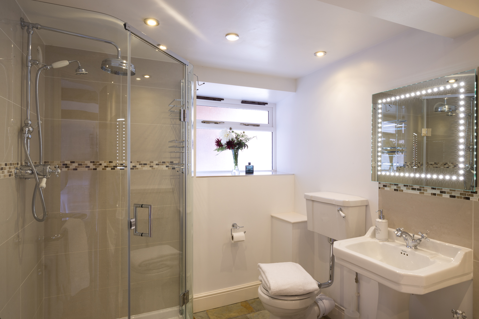 Rm 1 Bath 2.jpg