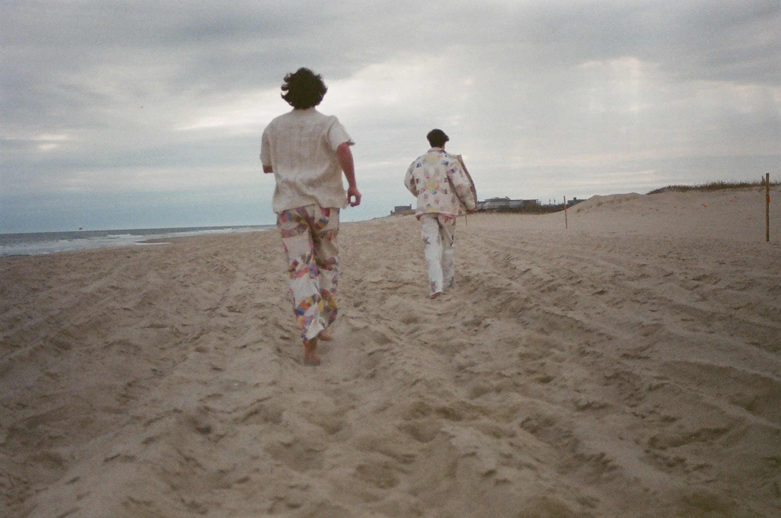 Chelsy-Mitchel-photographer-bode-nyc-fashion-beach-editorial-beachside-car-christian-matthew-rice-beach-fashion.JPG