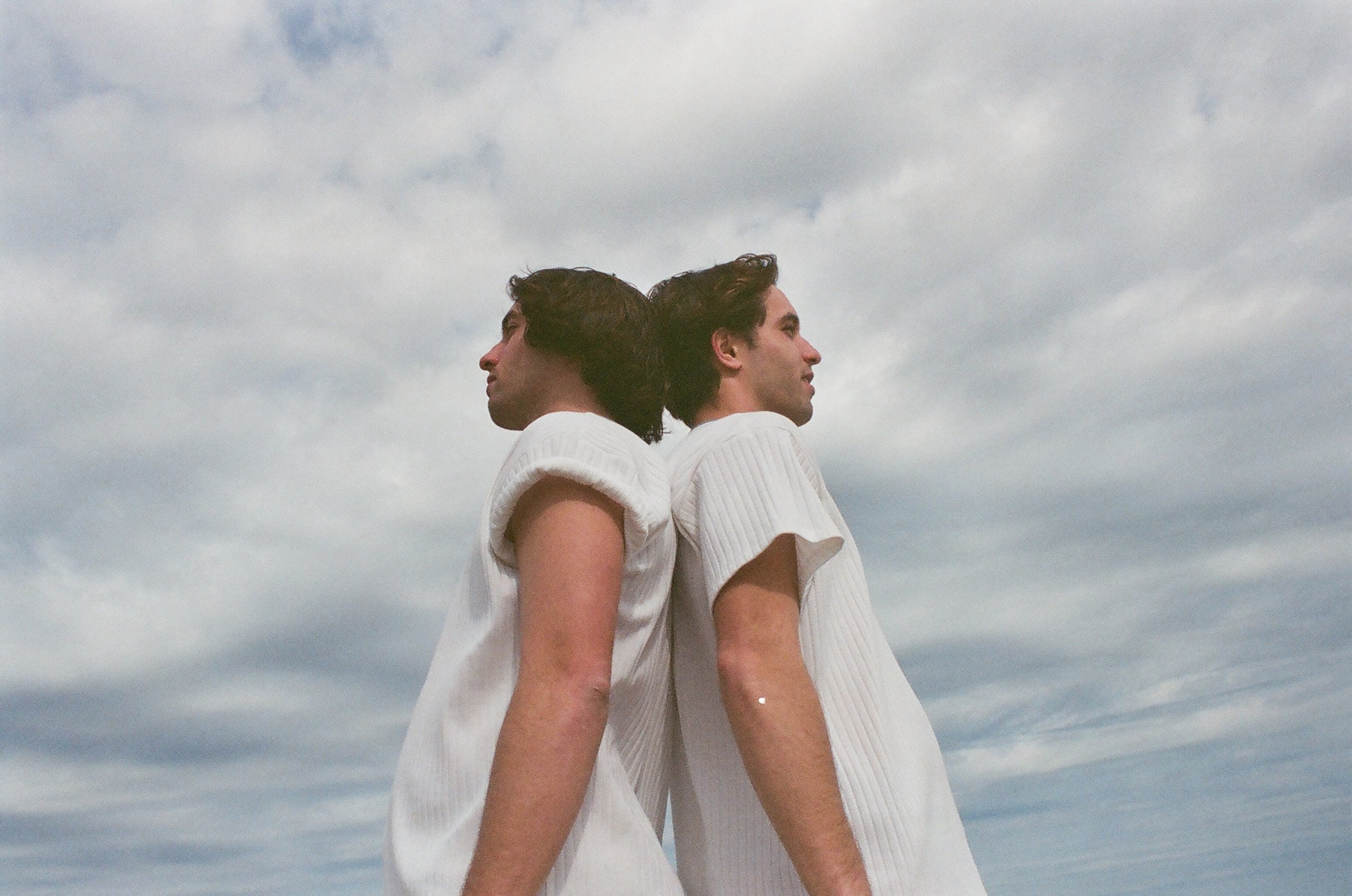 Chelsy-Mitchel-photographer-bode-nyc-fashion-beach-editorial-beachside-car-christian-matthew-rice-sky-fashion.JPG