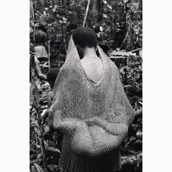 Frederic Lagrange, Mother Carrying her Baby in Root Bag, The Kombai, Avant, Issue 01
