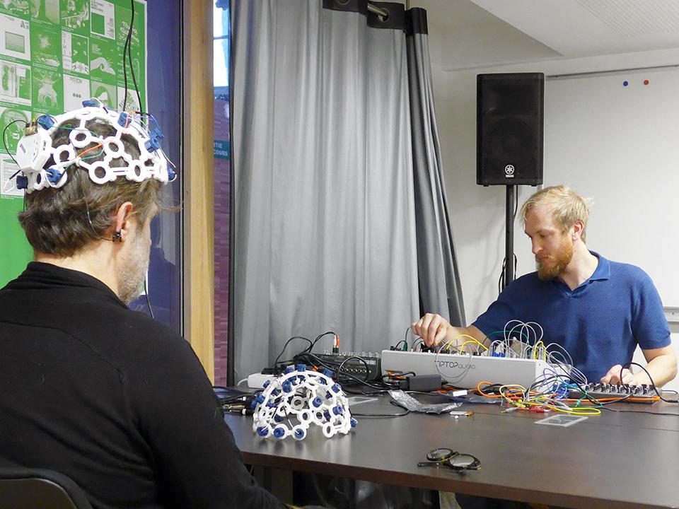 EEG_MAKERS_PARIS_02-2018_SMALL_L1110193.jpg