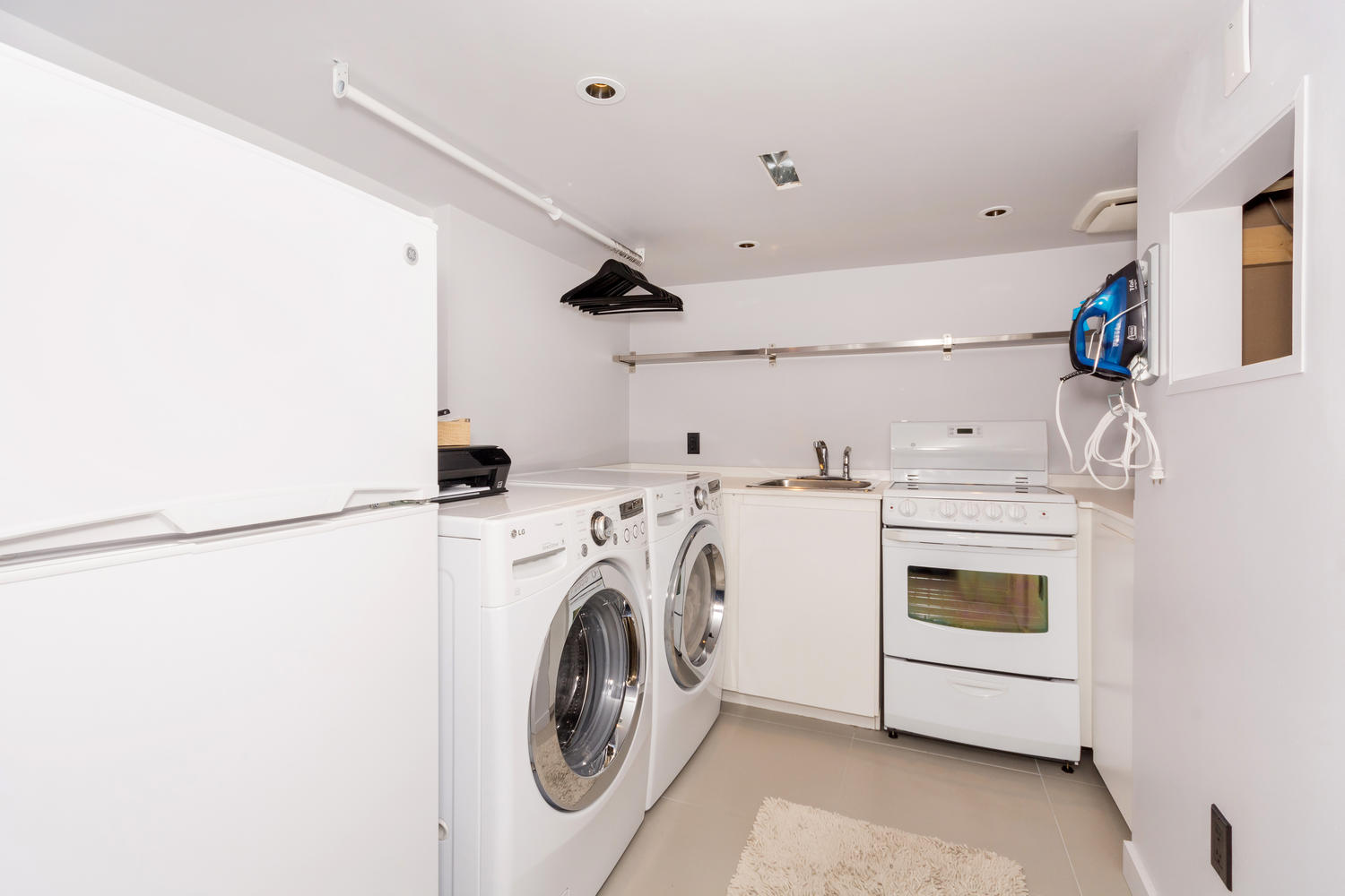 128 Booth Ave Toronto ON M4M-large-027-28-Laundry Room-1500x1000-72dpi.jpg