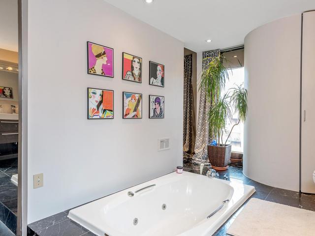 183 Seaton Street toronto ON-MLS_Size-023-23-Bathroom-640x480-72dpi.jpg