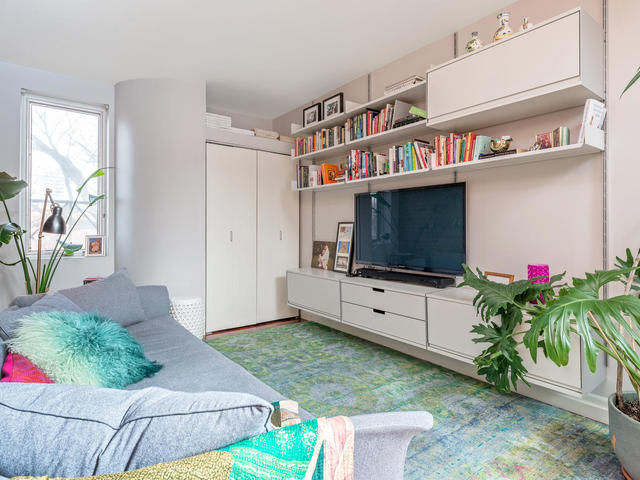 183 Seaton Street toronto ON-MLS_Size-027-27-Family Room-640x480-72dpi.jpg