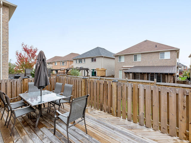81 Soverigns Gate Barrie ON-MLS_Size-035-25-Exterior-640x480-72dpi.jpg