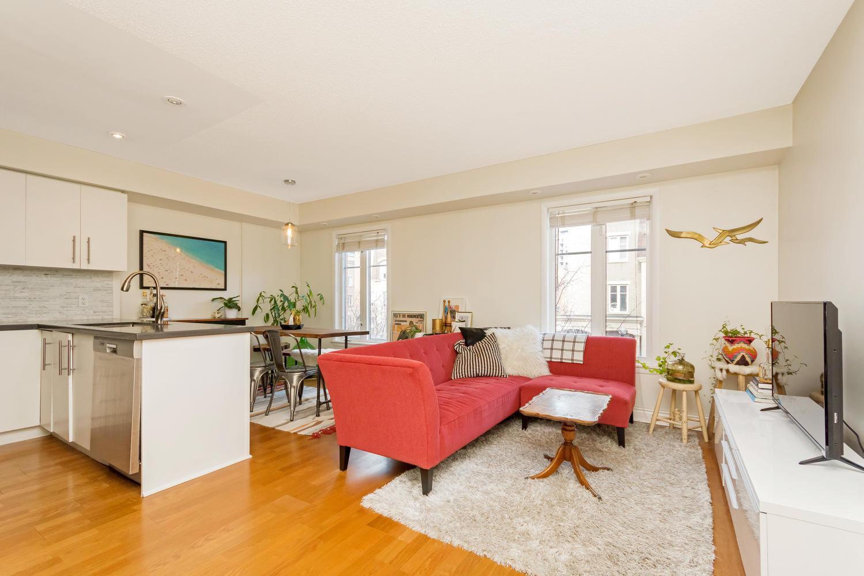 54 East Liberty 1034 Toronto-large-005-8-Living Room-1500x1000-72dpi.jpg