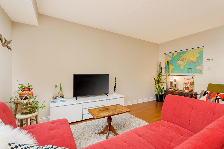 54 East Liberty 1034 Toronto-large-009-7-Living Room-1500x1000-72dpi.jpg